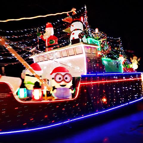 2016_christmas_truck2
