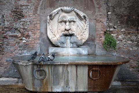 アヴェンティーノの丘の噴水