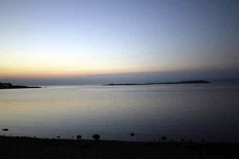 秋の朝のマクニールベイ
