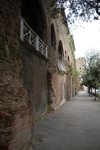 Roma Wall