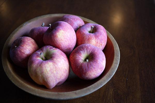 庭のリンゴ